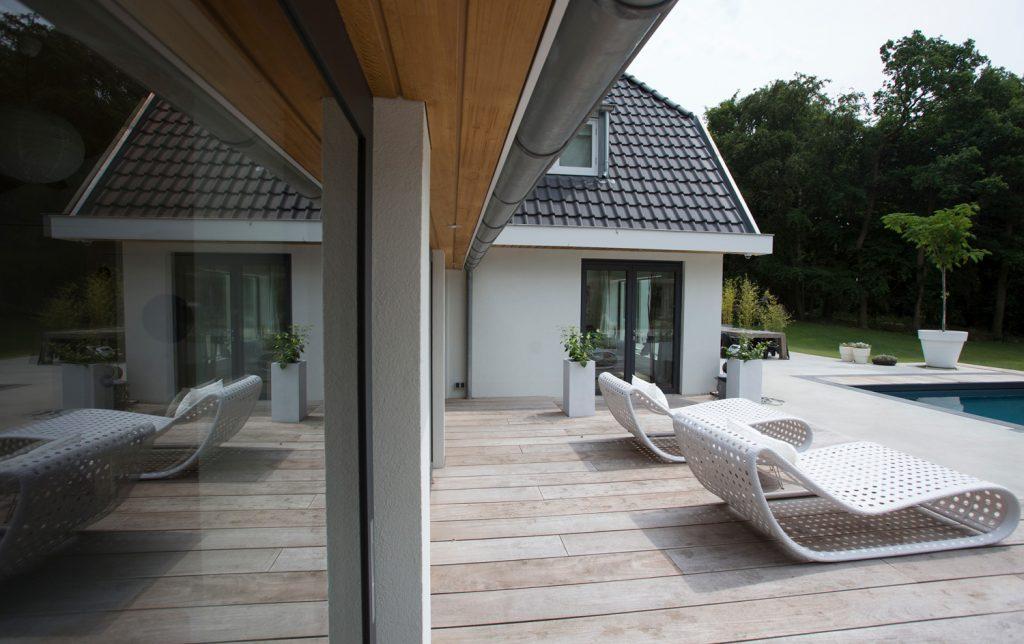 deck, zwembad, villa, in het groen, witte villa, luxe villa, woonhuis